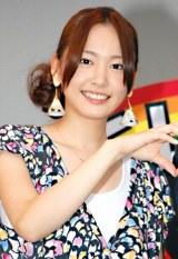 生田斗真と共に『夏サカス2010 赤坂ビッグバン』のオープニングイベントに参加した新垣結衣 (C)ORICON DD inc.
