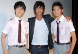 主演ドラマ『ハンマーセッション!』(TBS系)で共演中の入江甚儀、竜星涼が応援に駆けつけた。