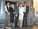 (左から)田島優成、余貴美子、筒井道隆、木村佳乃、伊原剛志、平泉成 (C)ORICON DD inc.