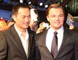 映画『インセプション』のジャパンプレミアに出席した渡辺謙(左)とレオナルド・ディカプリオ (C)ORICON DD inc.