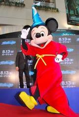 映画『魔法使いの弟子』のスペシャルプレビューイベントに出席したミッキーマウス