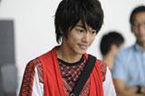 イケメンぶりを披露する佐藤健/『Fit's LINK』(ロッテ)新CMメイキングカット