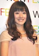 『WOW FES!2010』の制作発表会見で熱愛報道を否定した石原さとみ (C)ORICON DD inc.