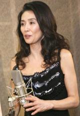 映画『わたしの可愛い人ーシェリ』の予告編ナレーション収録を行った萬田久子
