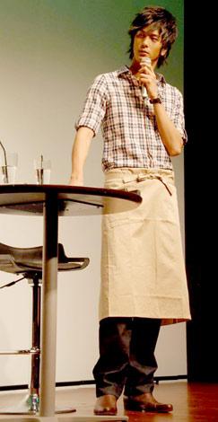 """先日行われたトークショーでは""""料理男子""""ぶりな一面をみせた(C)ORICON DD inc."""