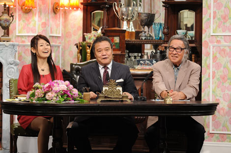 朝日放送『探偵!ナイトスクープ』に出演した(左から)新秘書を務める松尾依里佳、局長の西田敏行、最高顧問のキダ・タロー