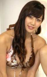 DVD『アイドルの穴2010 日テレジェニックを探せ!COMPLETE DVD-BOX』の発売記念イベントを行った日テレジェニックの滝川綾 (C)ORICON DD inc.