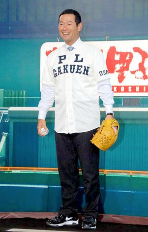『熱闘甲子園30th展』のオープニングイベントにPL学園時代に着用したユニフォーム姿で登場した桑田真澄氏 (C)ORICON DD inc.