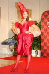 「帽子デザインコンテスト」授賞式で行われたショーに出演したJOYの実姉・Sophia