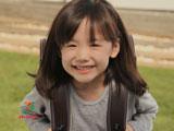 ランドセルを背負い嬉しそうな芦田愛菜/イトーヨーカドーのランドセルCM