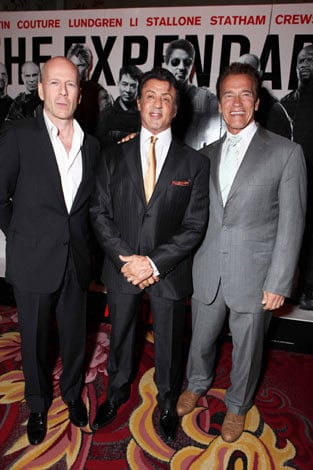 左より、ブルース・ウィリス(55)、シルベスター・スタローン(64)、アーノルド・シュワルツェネッガー(63) Eric Charbonneau/ Getty Images