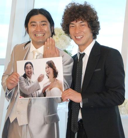 サムネイル ハイキングウォーキングの鈴木Q太郎(左)と松田洋昌 (C)ORICON DD inc.