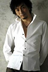 4年ぶり2枚目となるアルバム『fiction』を発売する秋田慎治