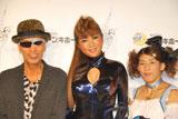 イベント『COSU MODE POWER 2010』に参加した(左から)テリー伊藤、はるな愛、吉田沙保里 (C)ORICON DD inc.