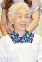 舞台『さくら色 オカンの嫁入り』の制作発表会見に出席した正司花江
