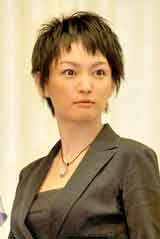 舞台『さくら色 オカンの嫁入り』の制作発表会見に出席した赤澤ムック