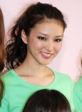 『Seventeen夏の学園祭2010』に参加した武井咲 (C)ORICON DD inc.