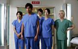 10月よりスタートする坂口憲二(左から2番目)主演ドラマ『医龍 Team Medical Dragon3』