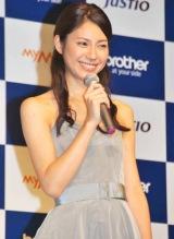 薄型インクジェット複合機『マイミーオ』&『ジャスティオ』シリーズの新製品発表会に出席した松下奈緒 (C)ORICON DD inc.
