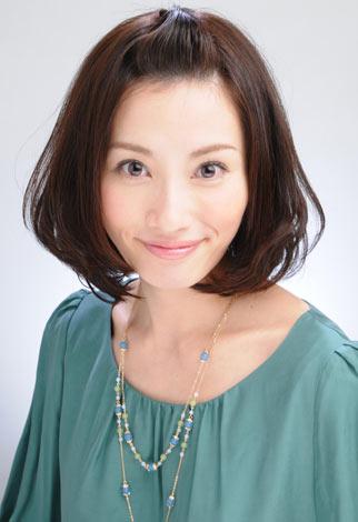 サムネイル 第2子出産をブログで報告した亀井京子アナウンサー
