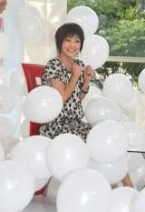 ドラマスペシャル『お母さんの最後の一日』(テレビ朝日系)のトークショーに参加した常盤貴子、降ってきた大量の風船にびっくり (C)ORICON DD inc.