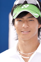 キリリとした笑顔も印象的な石川遼選手/『グリーンガム』(ロッテ)新CMメイキングカット