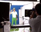 練習で使用するトレーニングセンターを使って撮影が行われた/石川遼選手が出演する『グリーンガム』(ロッテ)新CMメイキングカット