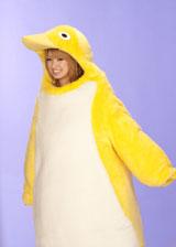 ペンギンの着ぐるみ姿もキュートな南明奈/『クールミントガム』(ロッテ)新CMメイキングカット