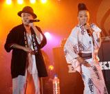 千秋と共に、こちらもシークレットゲストで登場した大西ユカリ(右)