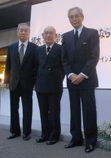 2007年4月に植木等さん「さよなら会」に出席したクレージーキャッツの面々(左から谷さん、桜井センリ、犬塚弘) (C)ORICON DD inc.
