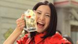 豪快な飲みっぷりも披露する吉高由里子/『トリス』(サントリー)シリーズ新CM
