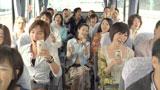 歌いながらバスに乗る吉高由里子/『トリス』(サントリー)シリーズの新CM