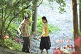 NHK朝の連続テレビ小説『ゲゲゲの女房』のヒロイン・村井布美枝役の松下奈緒(左)と、水木しげる役を演じた向井理