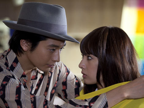 サムネイル 原作とは違うラストが待ち受ける映画版『パラダイス・キス』 紫とジョージの恋愛はどうなる!? 2011年5月、全国ロードショー(C)2011「パラダイス・キス」製作委員会