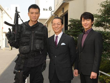 和気あいあいの雰囲気のなかで行われたドラマ『相棒 season9』の囲み