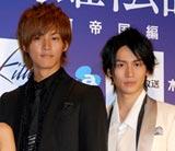 舞台『銀河英雄伝説』の製作発表会見に出席した(左から)松坂桃李、崎本大海