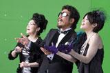 豪華メンバーでユニット結成! (左から)石川さゆり、鈴木雅之、松浦亜弥/『ルーツ アロマインパクト』CMメイキングカット