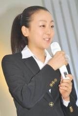 『フィギュアスケートグランプリシリーズ・ファイナル2010』記者会見に出席した浅田真央選手 (C)ORICON DD inc.