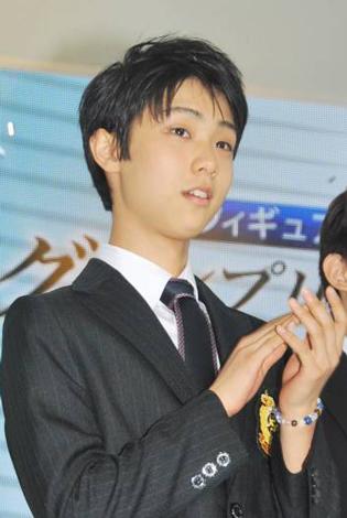 『フィギュアスケートグランプリシリーズ・ファイナル2010』記者会見に出席した羽生結弦選手 (C)ORICON DD inc.