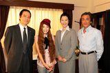 『京都地検の女』主要キャストと主題歌を歌うTiara(左から蟹江敬三、Tiara、名取裕子、寺島進)