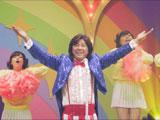 「Y!」とお馴染みのポーズも披露する西城秀樹/『Yahoo!モバゲー』CM