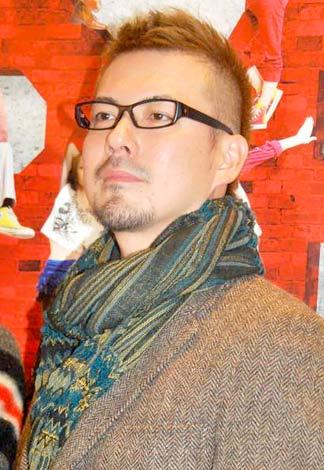 ミュージカル『RENT』の公開舞台稽古前にインタビューに応じた米倉利紀 (C)ORICON DD inc.