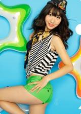 元気いっぱい! 柏木由紀/AKB48初の公式カレンダーに封入されるクリアファイル(※デザインは変更になる場合があります)
