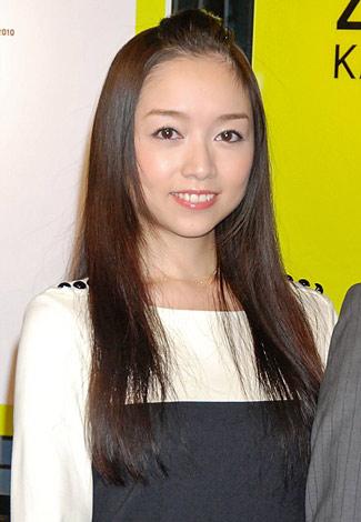 開催する『ZERO 写真展 2010』の記者会見に出席した宮本笑里 (C)ORICON DD inc.