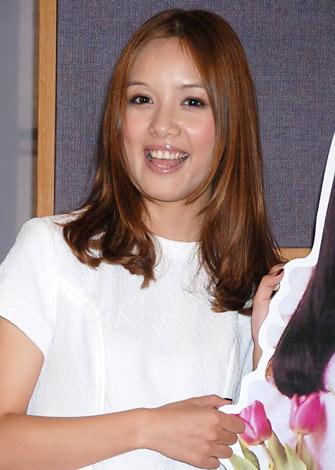 デビュー曲「ひなげしの花」公開レコーディングを行ったローラ・チャン (C)ORICON DD inc.