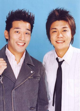 サムネイル 結婚を報告したやるせなす・石井康太(左)