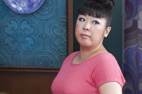 撮影に臨む村上知子/『BIG』新CMメイキングカット