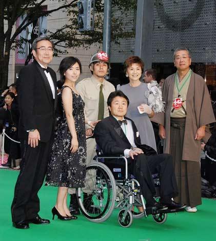 第23回東京国際映画祭グリーンカーペットに登場した、映画『442日系部隊 アメリカ史上最強の陸軍』のキャストら (C)ORICON DD inc.
