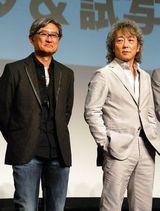 堤監督(左)が佐野元春の音楽にインスパイアされてドラマ化した (C)ORICON DD inc.
