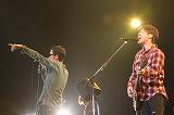 東京・青山学院大学で5年ぶりとなる学園祭ライブを行ったコブクロ